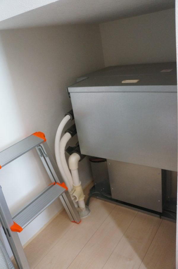 storage-under-stairs06